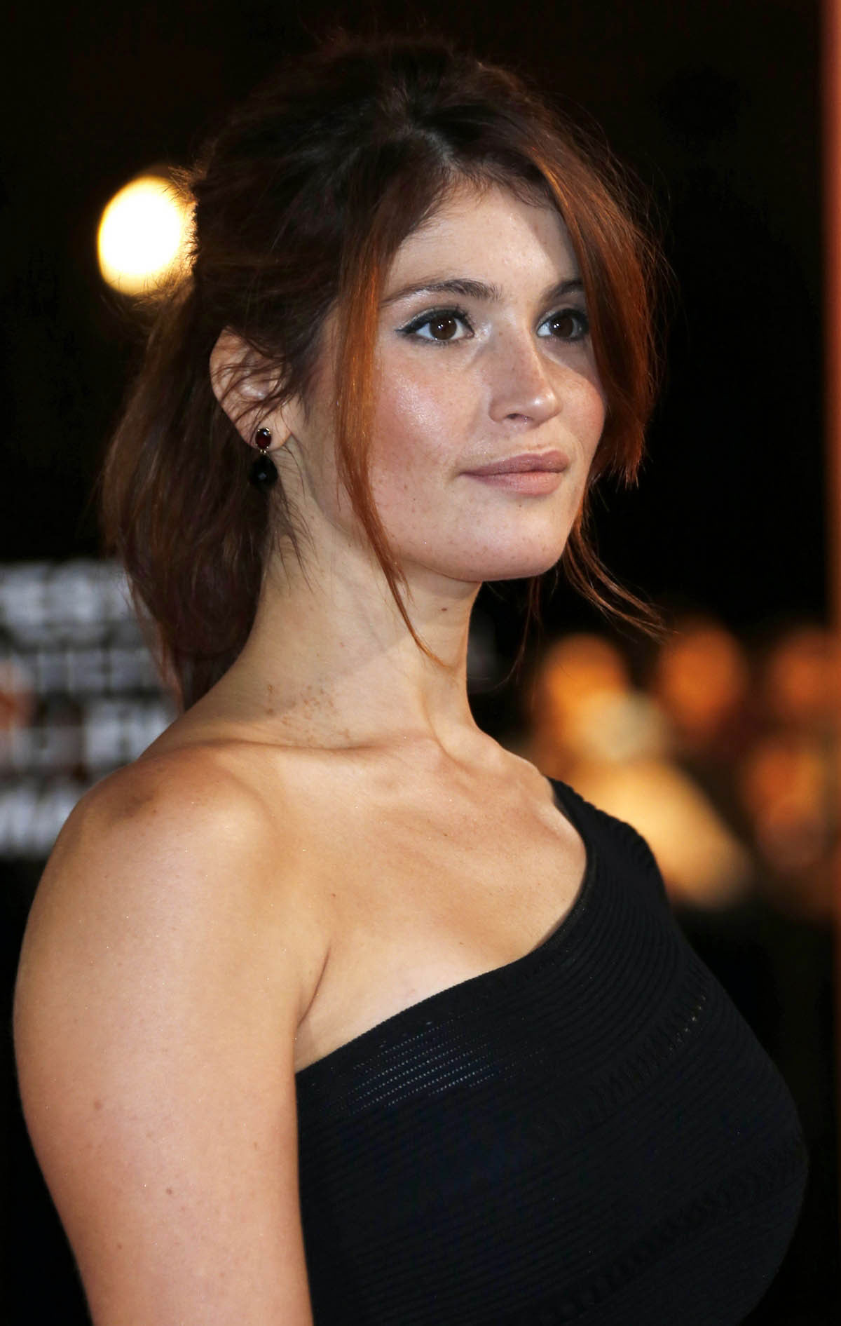 Gemma christina arterton hands